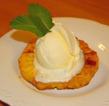 Быстрый десерт: Мороженое с ананасом