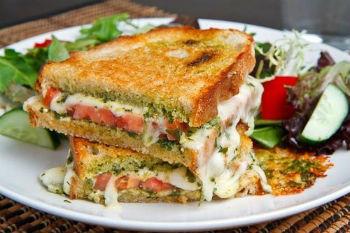 Итальянский бутерброд с сыром
