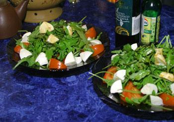 Салат с рыбой и белым сыром