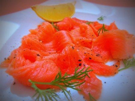 Слабосолёный лосось по-шведски (гравлакс, gravlax)