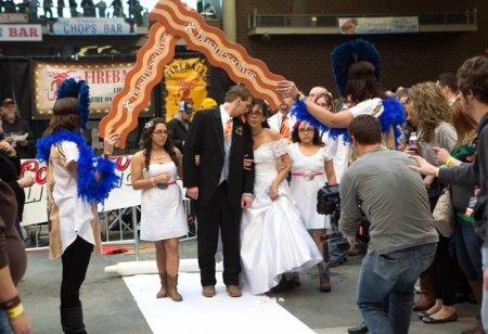 Свадьбы на фестивале бекона