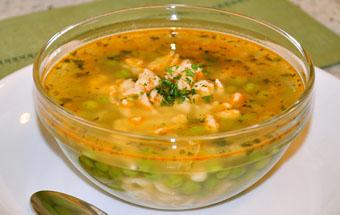 Суп с галушками и зелёным горохом