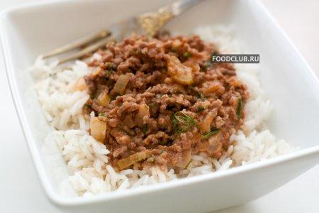 Рис с мясным соусом в мультиварке