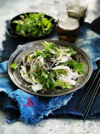 Салат с кальмарами и куриным мясом
