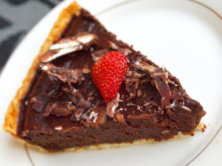 Шоколадный тарт с бурбоном
