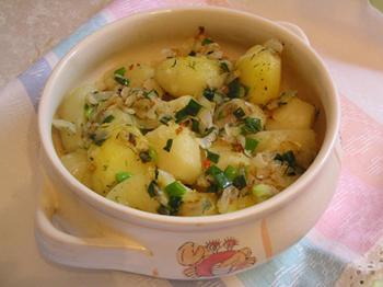Тушеный по-церковному картофель в горшочках