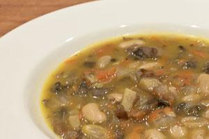 Суп с фасолью и шампиньонами