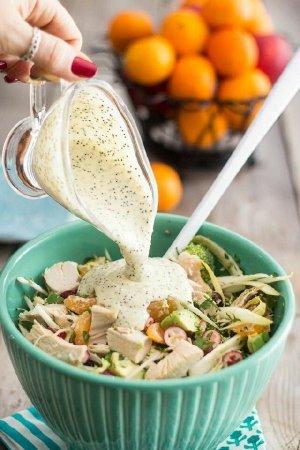 Полезный соус к салатам