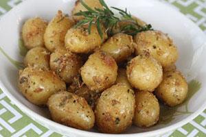 Картофель, запеченный в чесноке