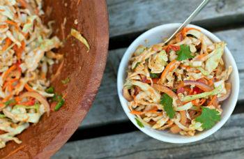 Салат из белокочанной капусты с болгарским перцем