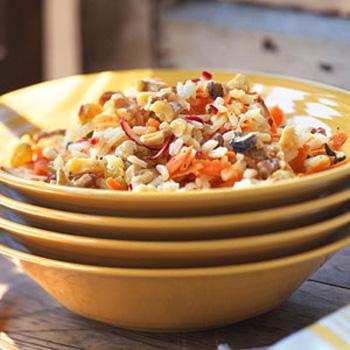 Салат здоровья из риса и овощей
