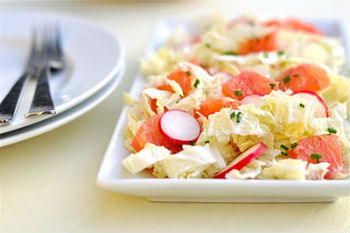 Салат к шашлыку из капусты с грейпфрутом
