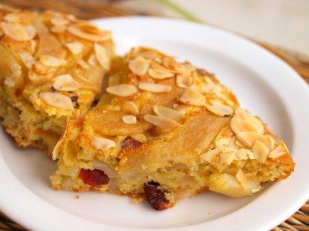 Пудинговый пирог с грушами