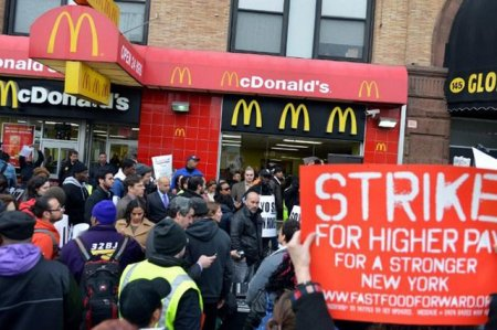 Почему бастуют работники McDonald's?