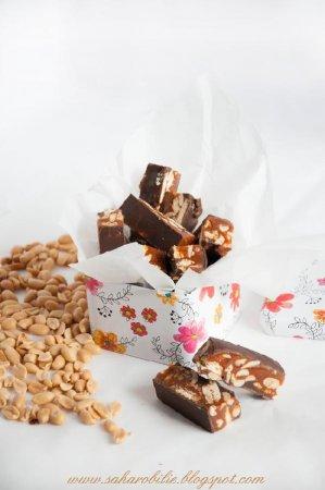 Мини-батончики с арахисом и карамелью