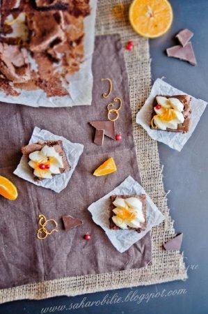 Шоколадный торт без муки с апельсиновым кремом из маскарпоне