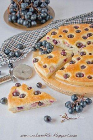 Schiacciata con l'uva или сладкий итальянский хлеб с виноградом