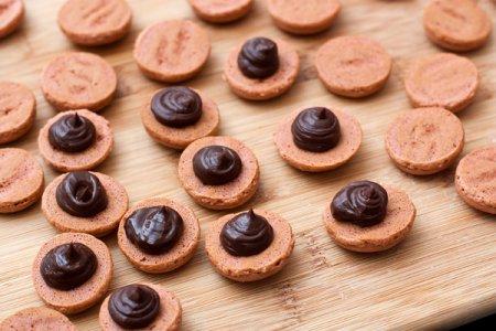 Шоколадные макаронс