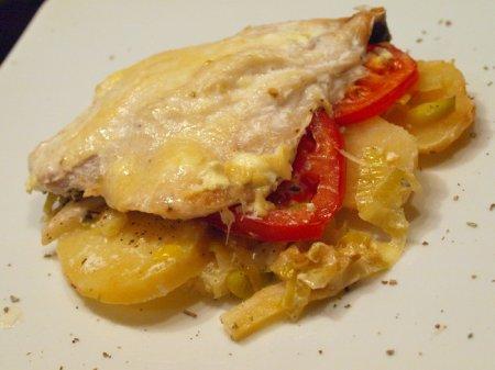 Запеканка с рыбой и картофелем