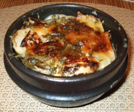 Картошка с курицей в горшочке