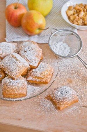 Сладкие равиоли с яблоками