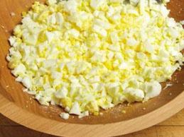 Салат из кукурузы и огурцов