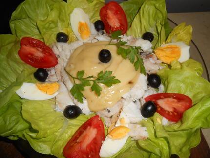 Горячий салат из рыбы