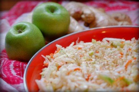 Квашеная капуста с яблоками