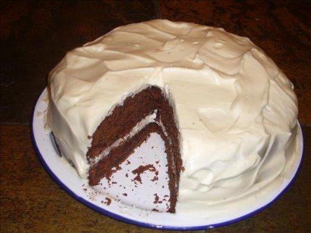 Шоколадный торт со сметанным кремом