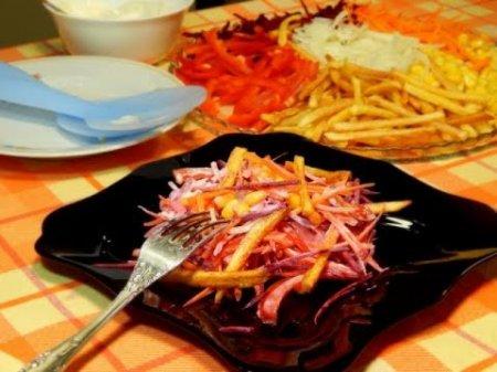 Салат ассорти с картофелем фри
