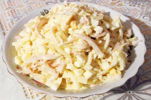 Салат из кальмаров с луком