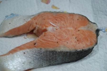 Горбуша, жареная на сковороде