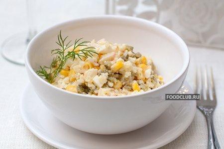 Салат с креветками и рисом (салат с крабовыми палочками)
