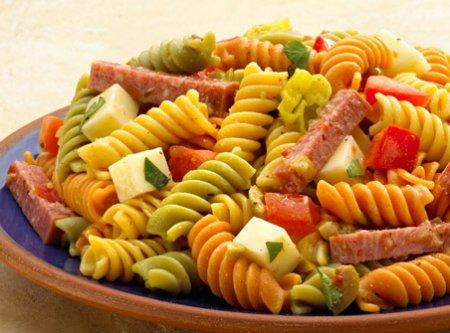 Салат с сыром и макаронами