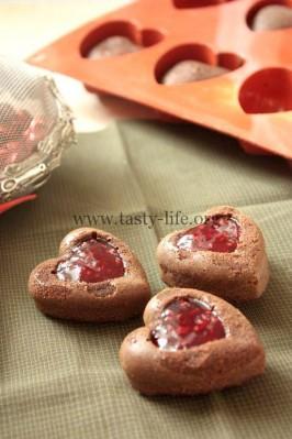 Шоколадные гато с малиной