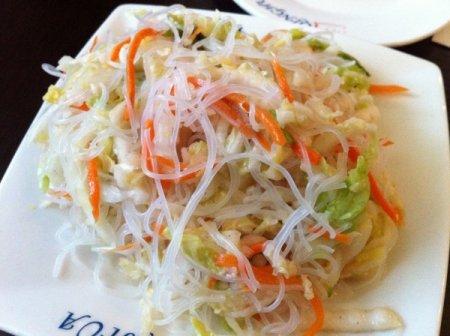 Салат из крахмальной лапши