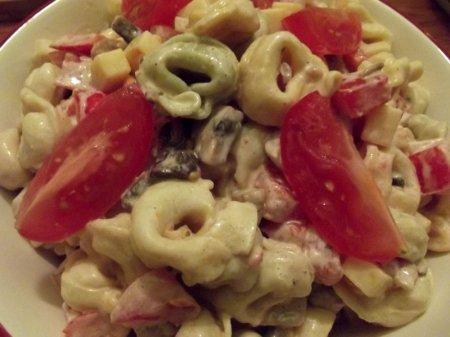 Салат макаронный