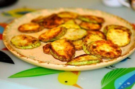 Жареные кабачки по-гречески