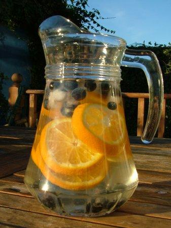 Напиток из черники и апельсина