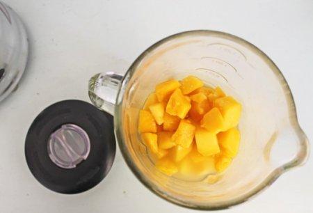 Напиток из манго и лайма