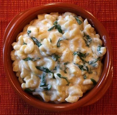 Макароны со сливочным сыром и шпинатом