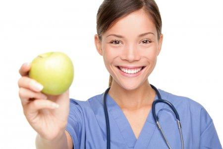 Диетологи назвали фрукты, помогающие похудеть
