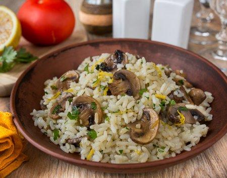 Цитрусовый рис с шампиньонами