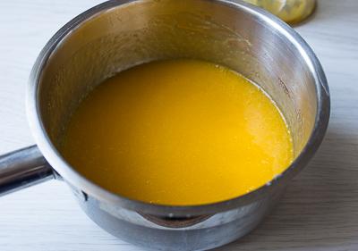 Миндальный рулет с манговым муссом