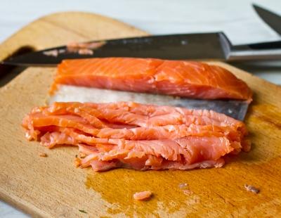 Бейгл с лососем и сливочным сыром