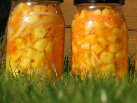 Cалат на зиму из кабачков и моркови