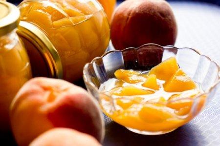 Варенье из персиков с коньяком