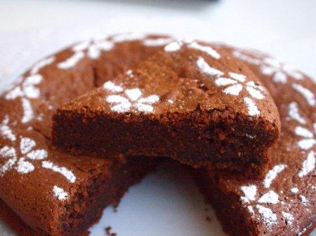 Шоколадно-фундучный пирог