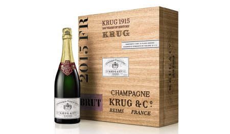 100-летняя бутылка шампанского была продана на аукционе за 116375$