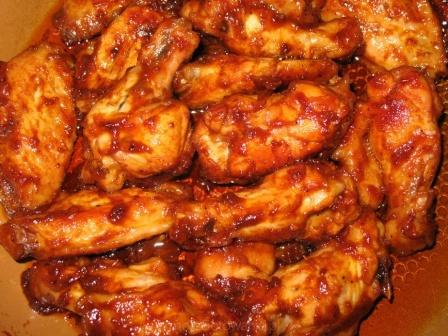 Куриные крылышки в соусе в духовке